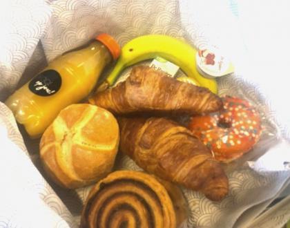 Koningsdag ontbijtjes voor Kralingse Veer bezorgd